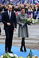 kate middleton prince william pay respects 22