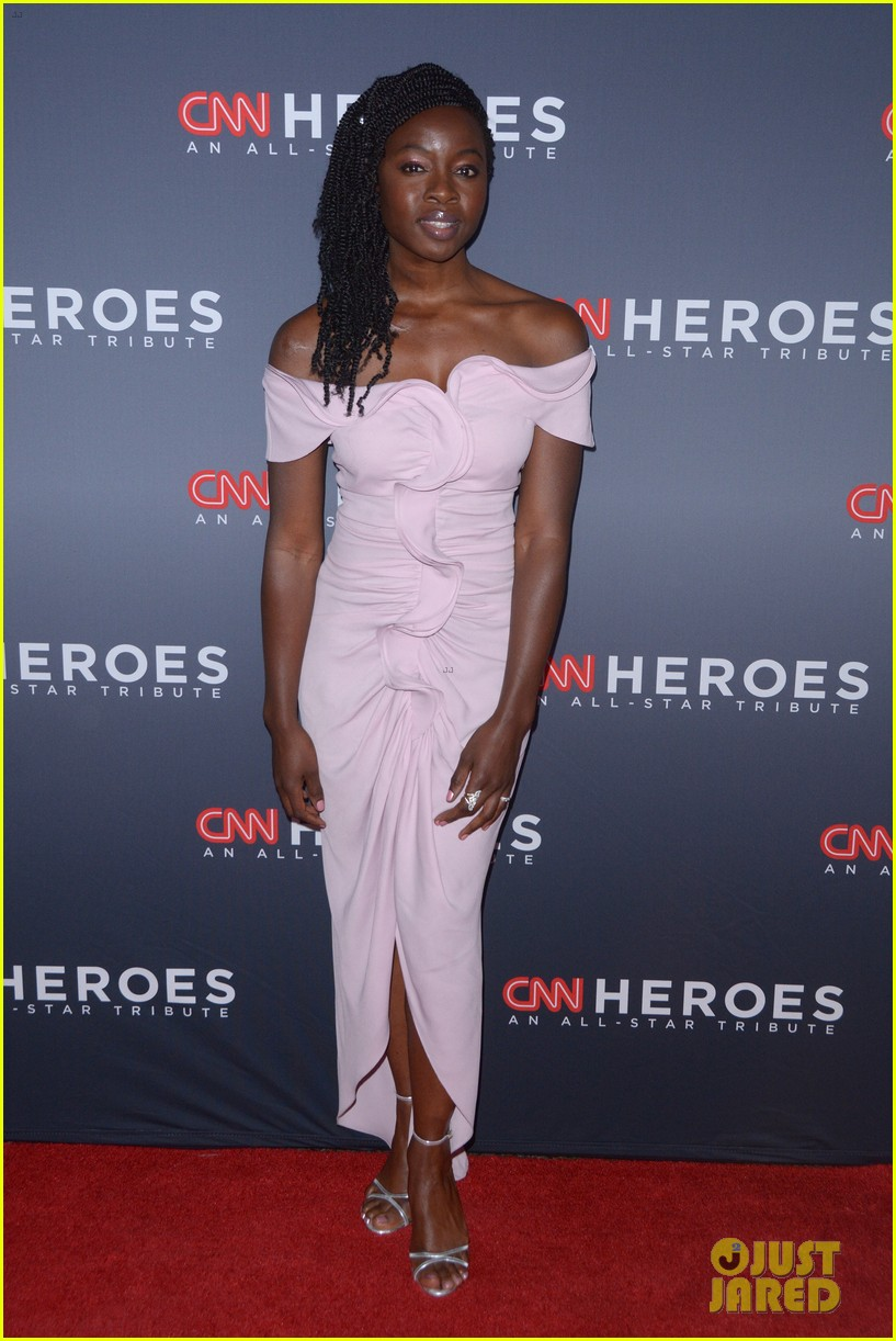kelly ripa anderson cooper host star studded cnn heroes 11
