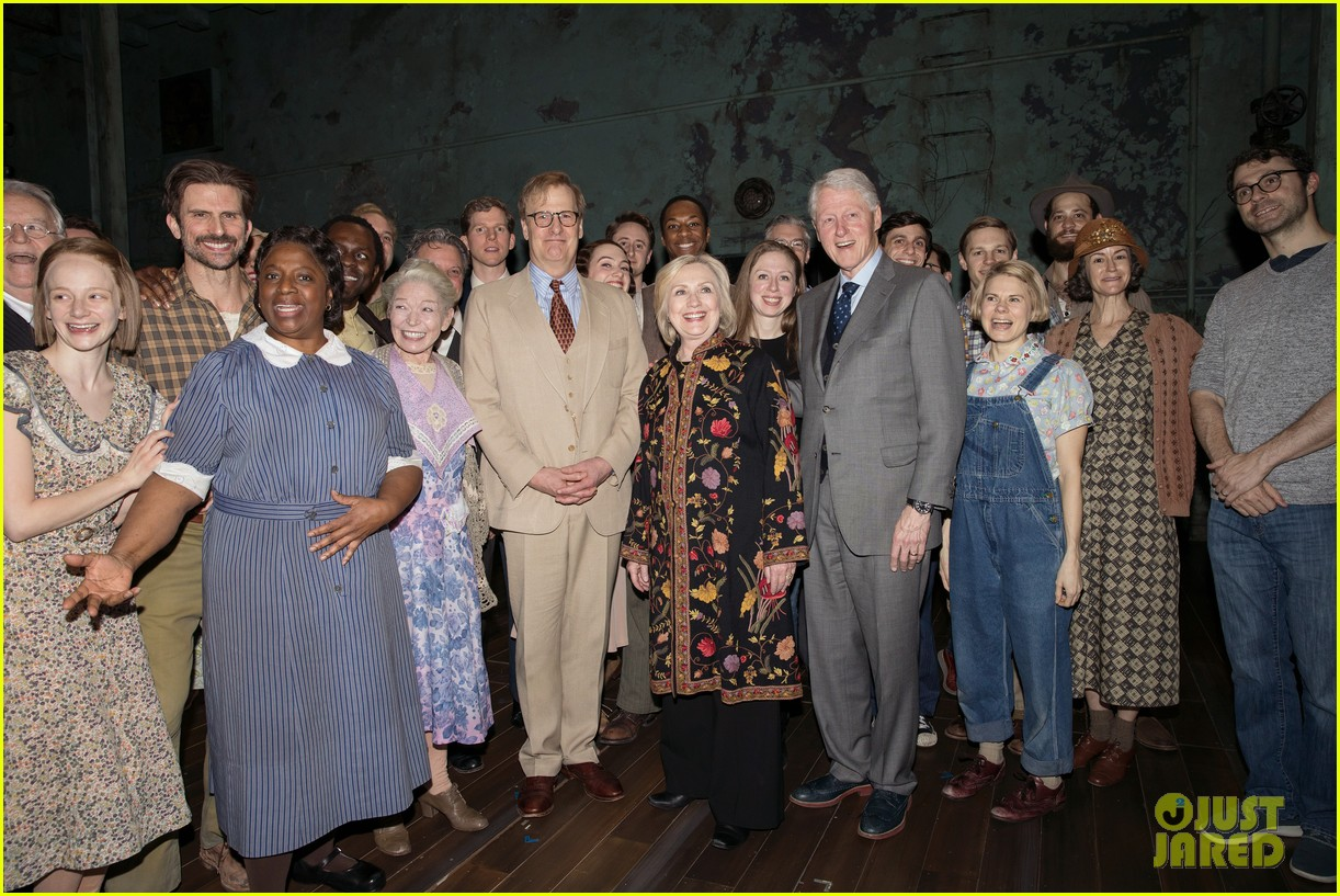 hillary bill clinton arrive to cheering fans at broadway show 01