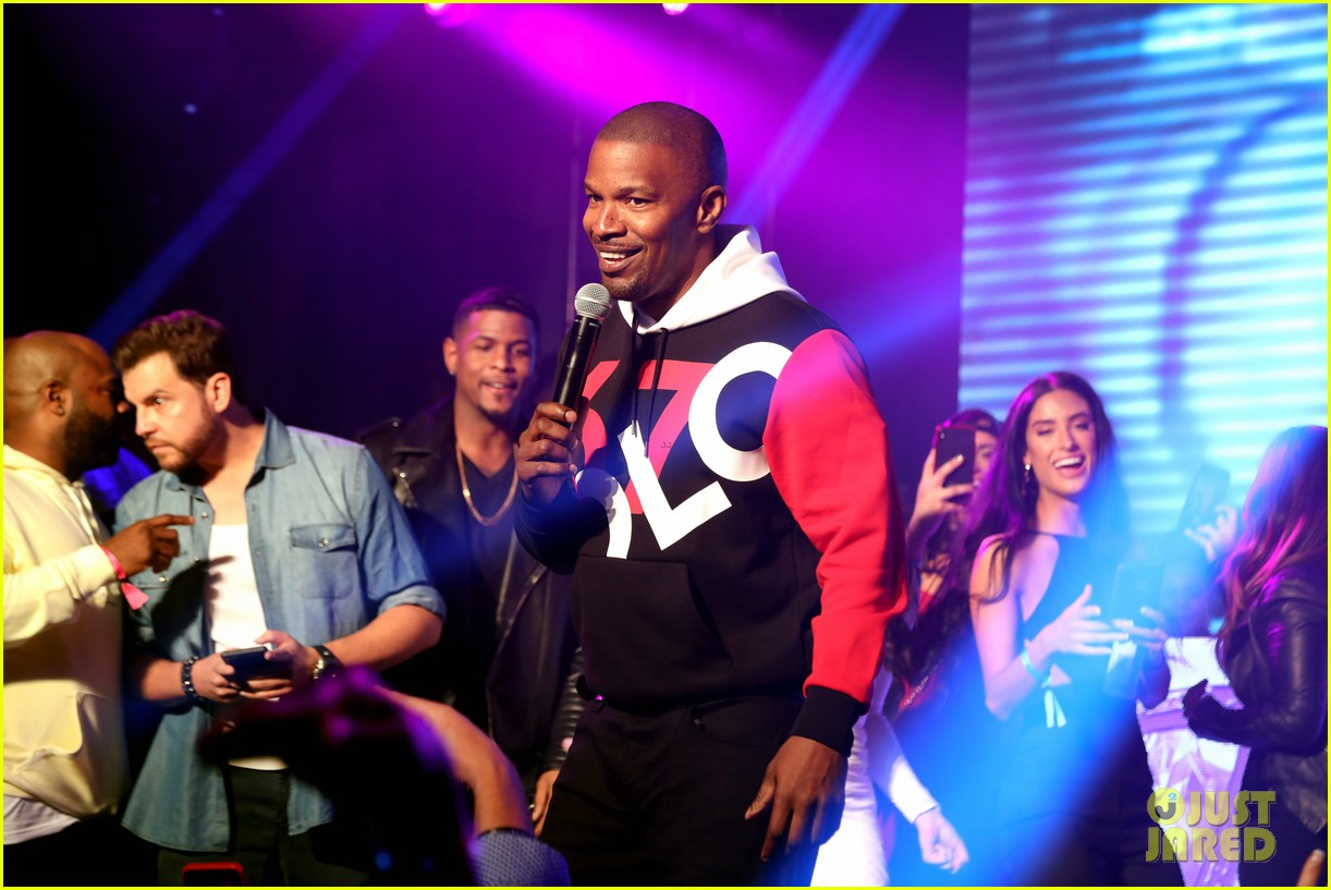 jamie foxx future take stage at maxim experience party during super bowl weekend 02