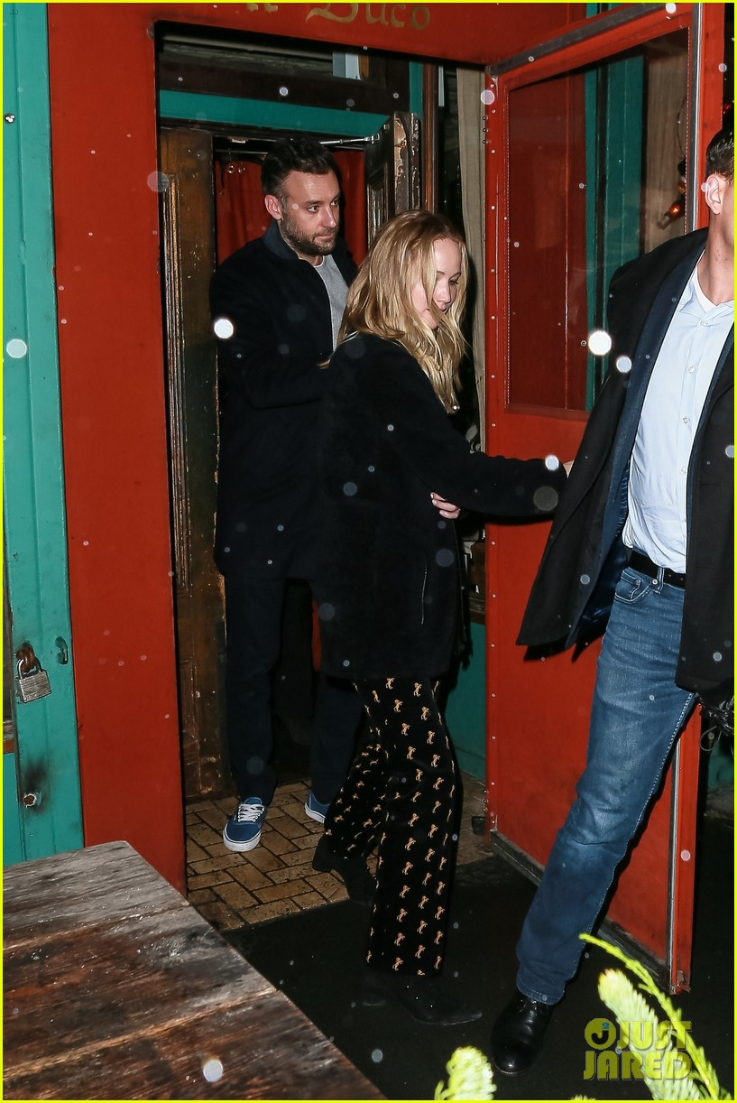 jennifer lawrence fiance cooke maroney after confirming engagement 02