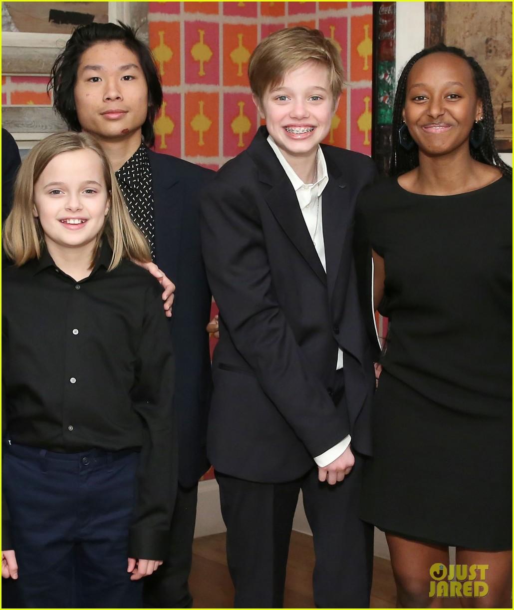 angelina jolie hosts screening with all six children 08