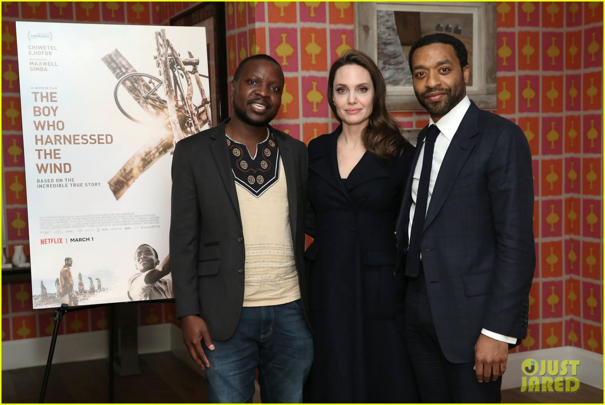 angelina jolie hosts screening with all six children 15