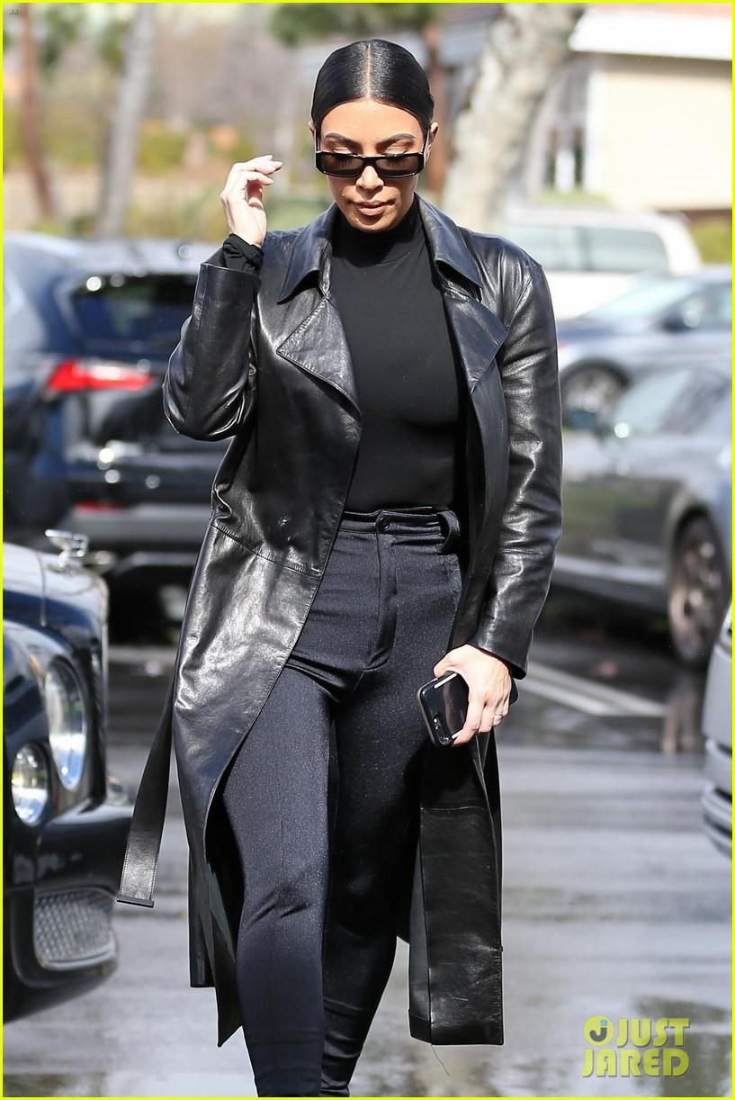 kim kardashian responds to bad skin day headline referring to these photos 29