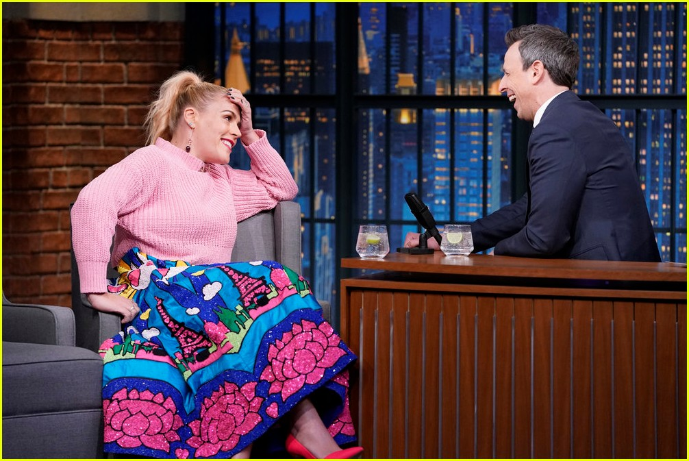 busy philipps cried when oprah called her on the phone 01