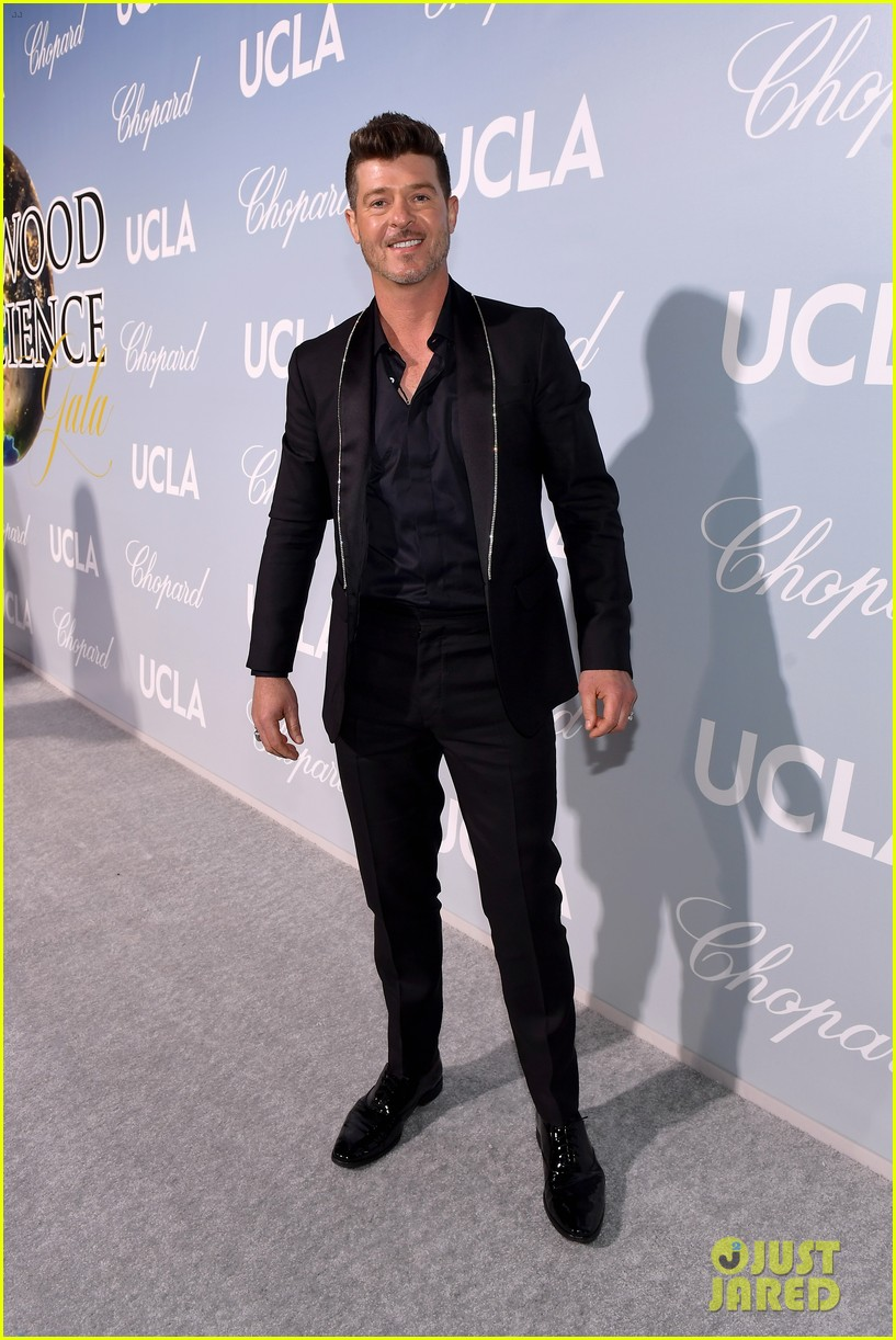 robin thicke brings julian to hollywood for science gala 05