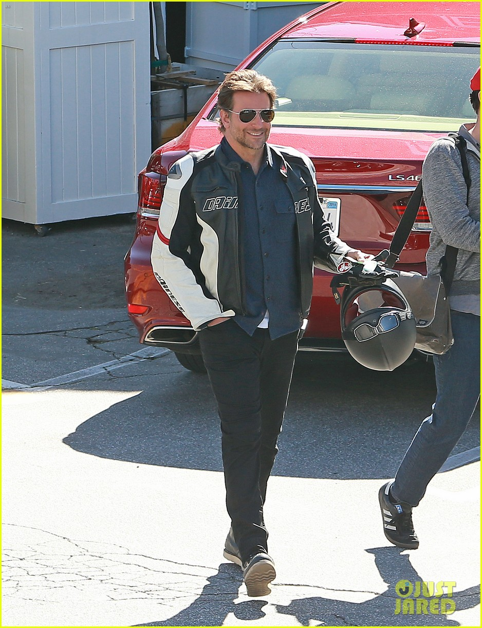 bradley cooper motorcycle brentwood country mart 02