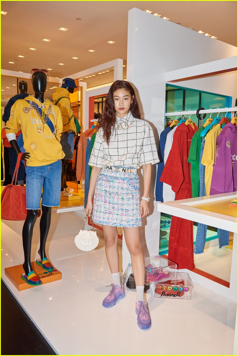 56d9e9d8dfae5 Full Sized Photo of pharrell seoul chanel march 2019 26
