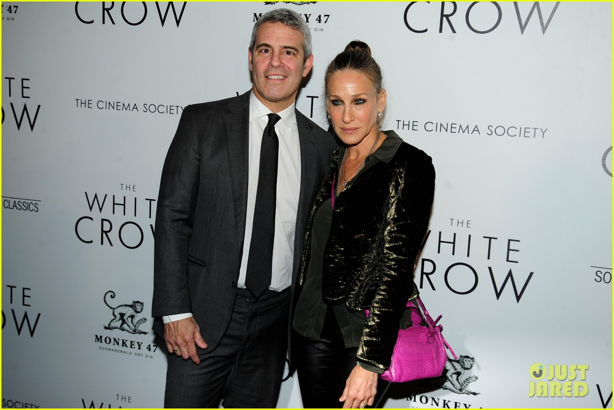 sarah jessica parker reunites with sex and the citys mikhail baryshnikov at the white crow 12