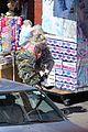 margot robbie harley quinn eats sandwich birds of prey 56