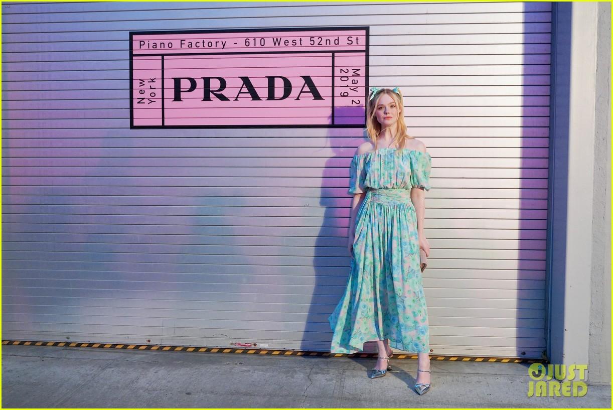 shailene woodley hailee steinfeld elle fanning attend prada resort 2020 fashion show 14