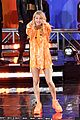 ellie goulding performs on gma 08