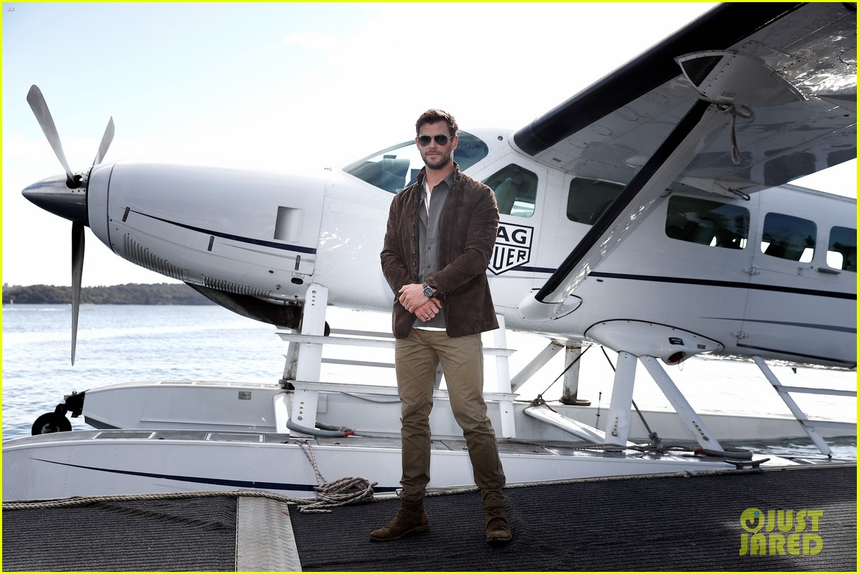chris hemsworth promotes new tag heuer collection in sydney 014314414