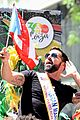 ricky martin leads puerto rican day parade in nyc 03