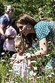 kate middleton garden visit 03
