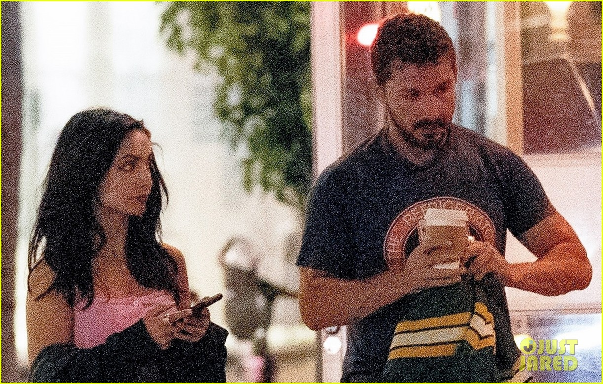 shia labeouf visits swingers diner in weho with a friend 04