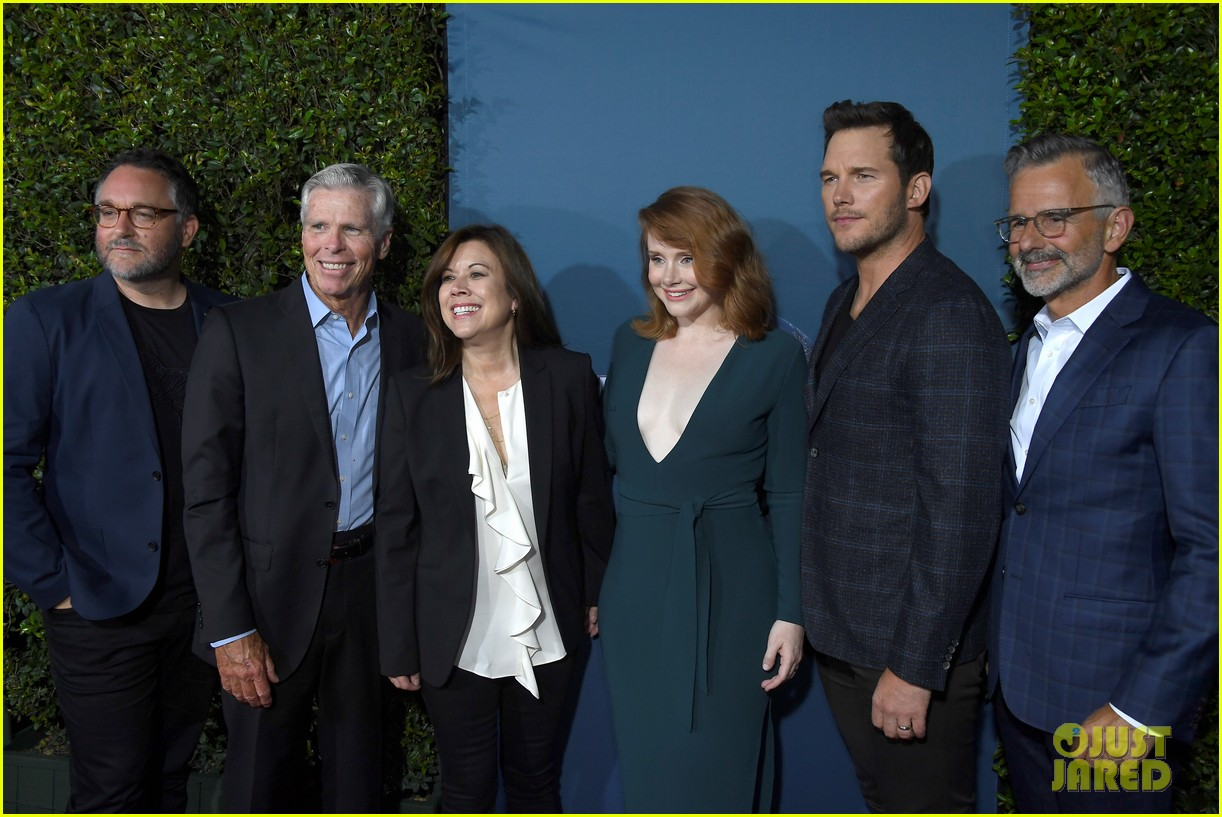 chris pratt bryce dallas howard celebrate jurassic world the ride grand opening celebration 16