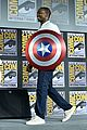tom hiddleston jeremy renner marvel series at comic con 09
