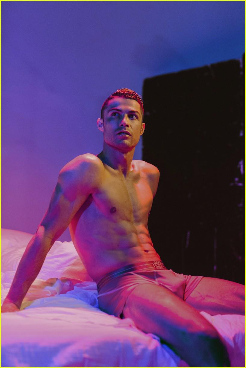 cristiano ronaldo underwear campaign 014322412