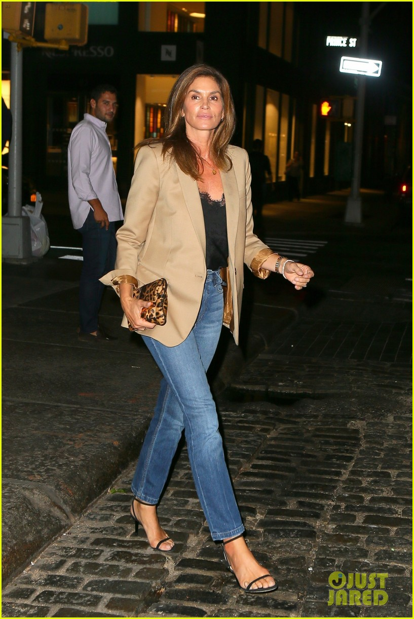 cindy crawford daughter kaia gerber enjoy stylish night out 03