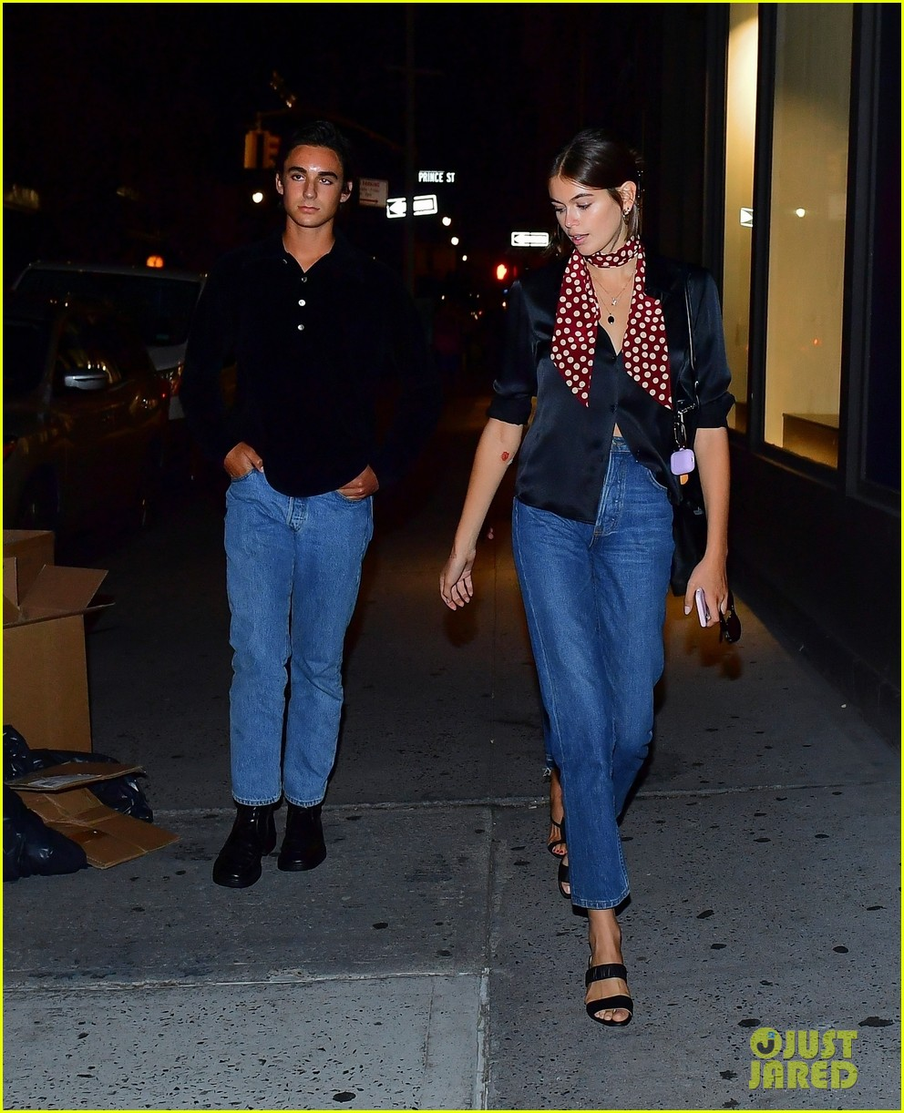 cindy crawford daughter kaia gerber enjoy stylish night out 04