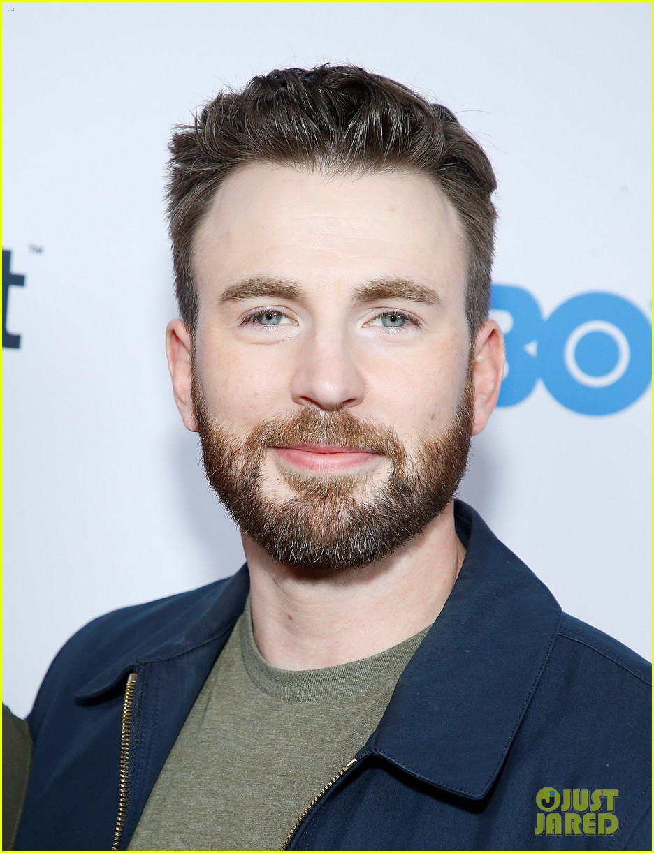http://cdn02.cdn.justjared.com/wp-content/uploads/2019/10/chris-newfest/chris-evans-supports-brother-scott-evans-sell-by-premiere-08.jpg