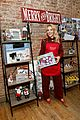 busy philipps is getting into the holiday spirit wit michaels 01