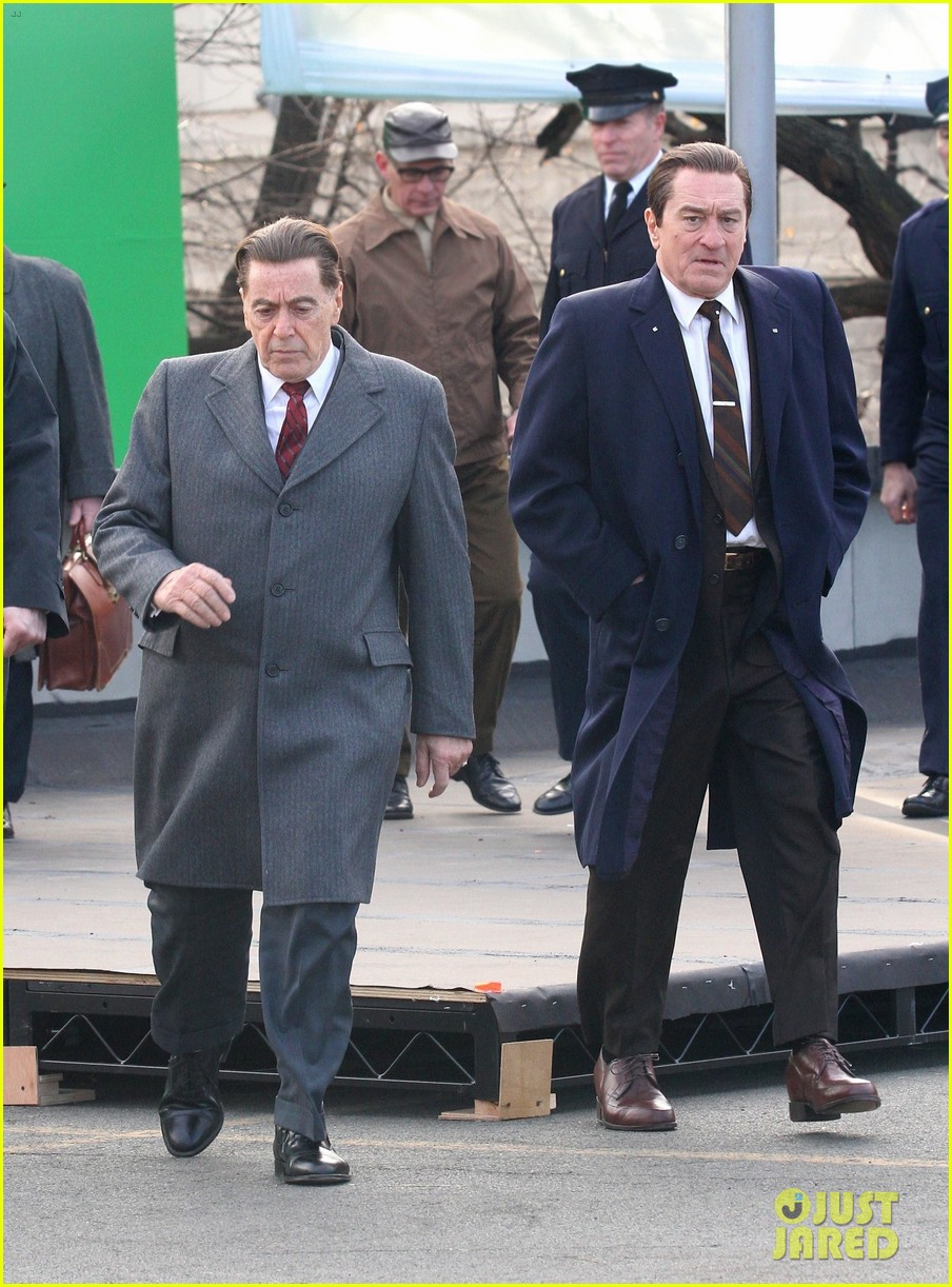 robert de niro looks tall the irishman 15