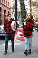 jason biggs jenny mollen gifts for neighbors 05