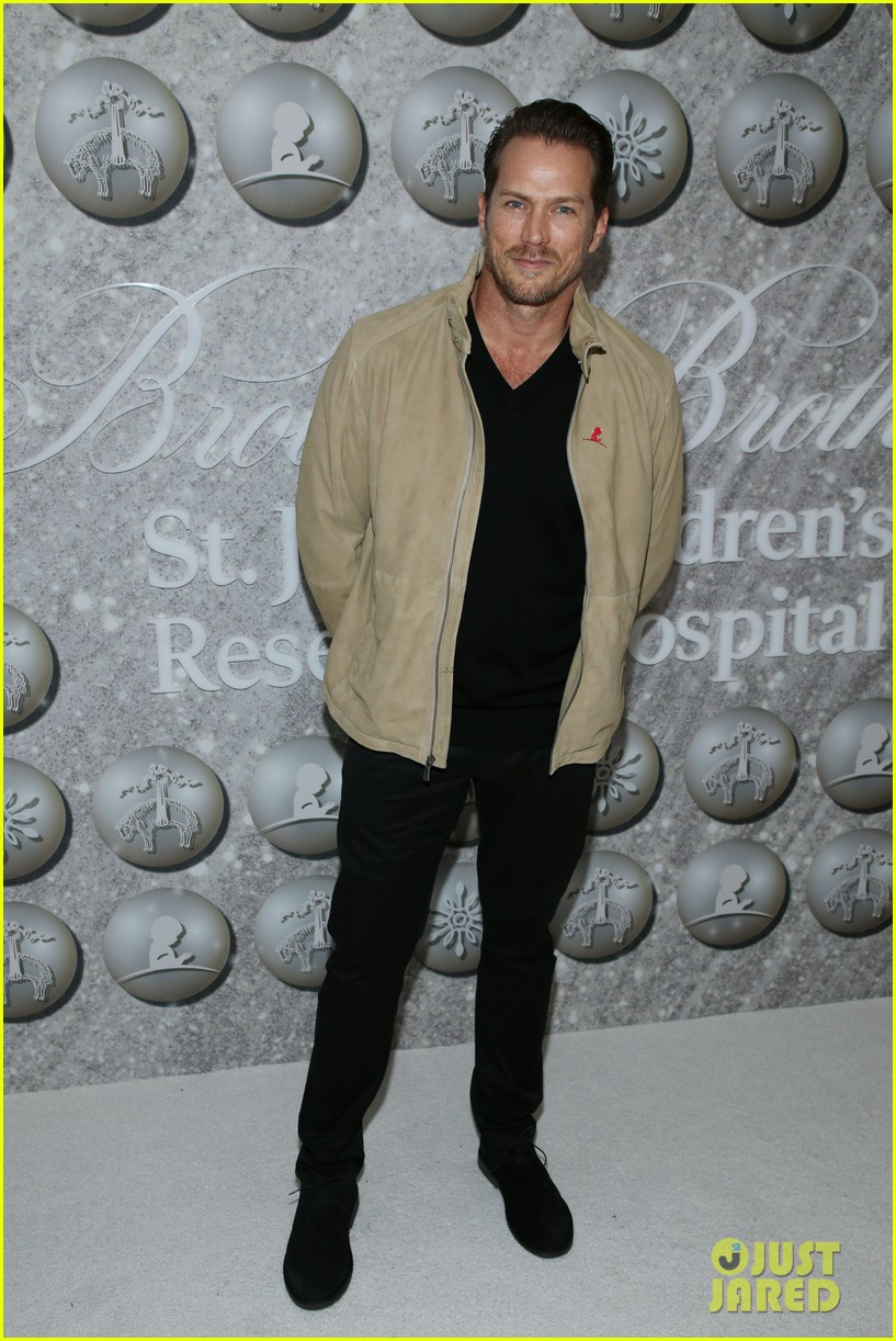 brooks brothers holiday party 13
