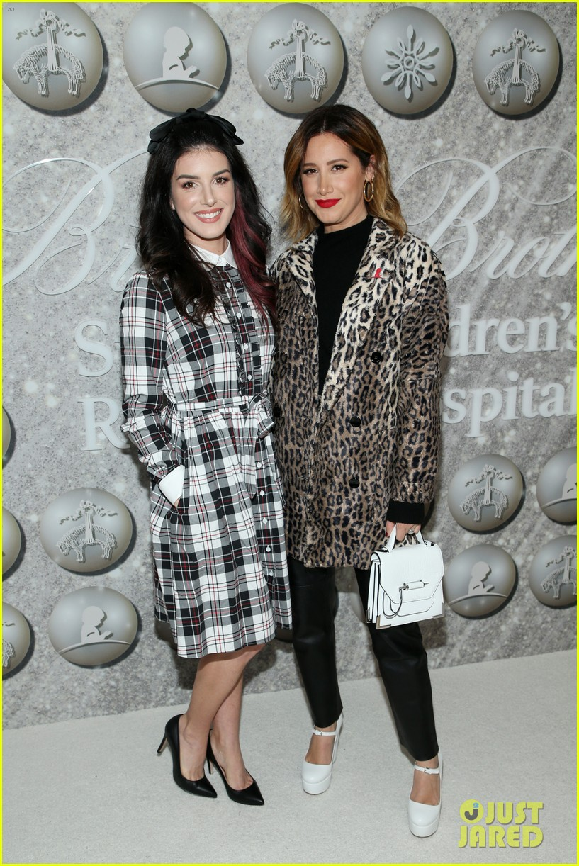 brooks brothers holiday party 47