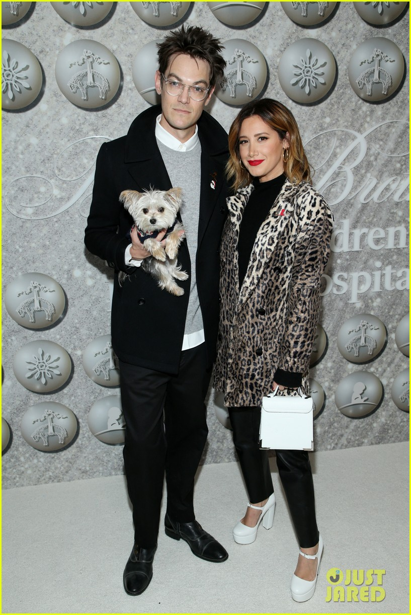 brooks brothers holiday party 50