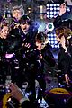 bts rockin eve performance pics 03