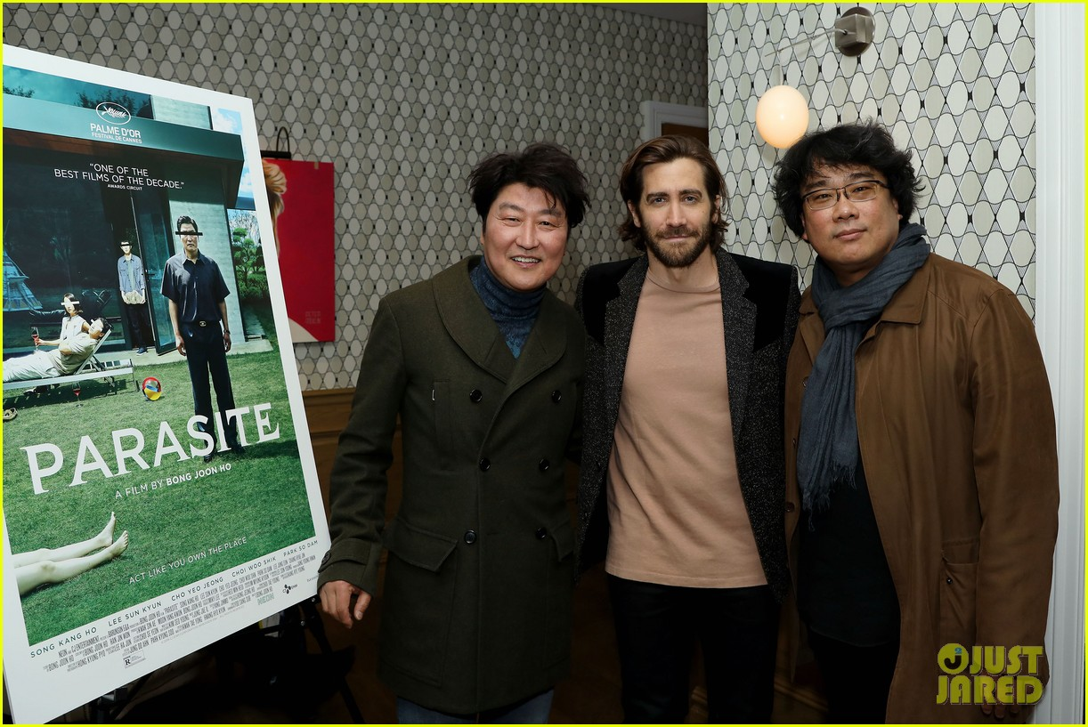 jake gyllenhaal shows support at parasite screening 05
