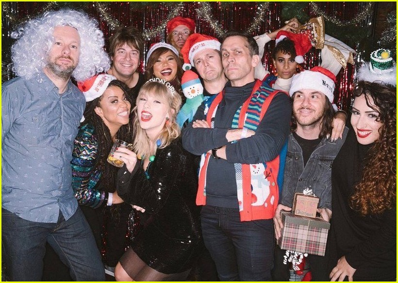 taylor swift birthday party inside 09