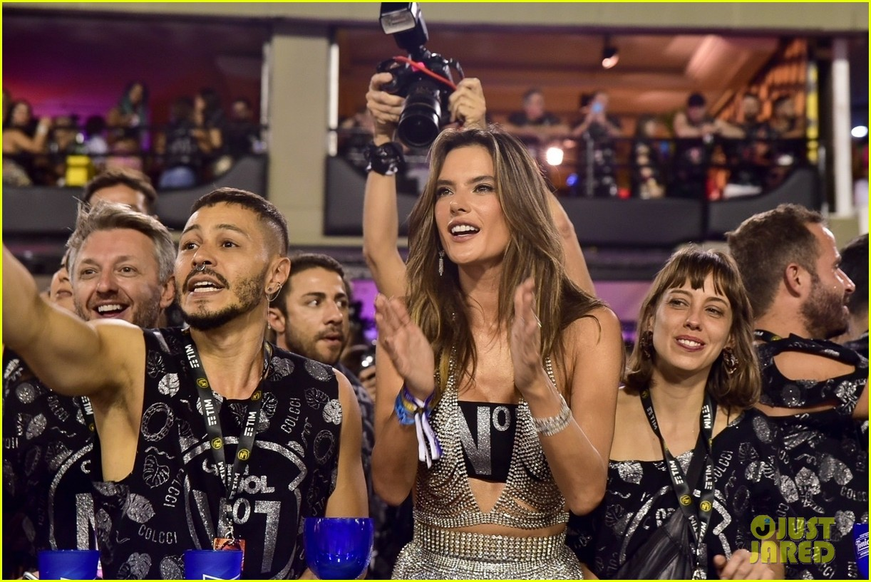 alessandra ambrosio lives it up at carnival 2020 in brazil 03