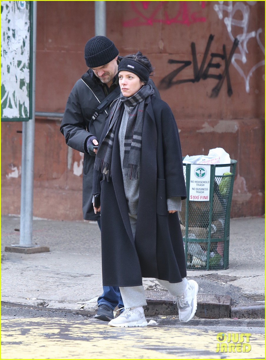david harbour lily allen still going strong new photos 02