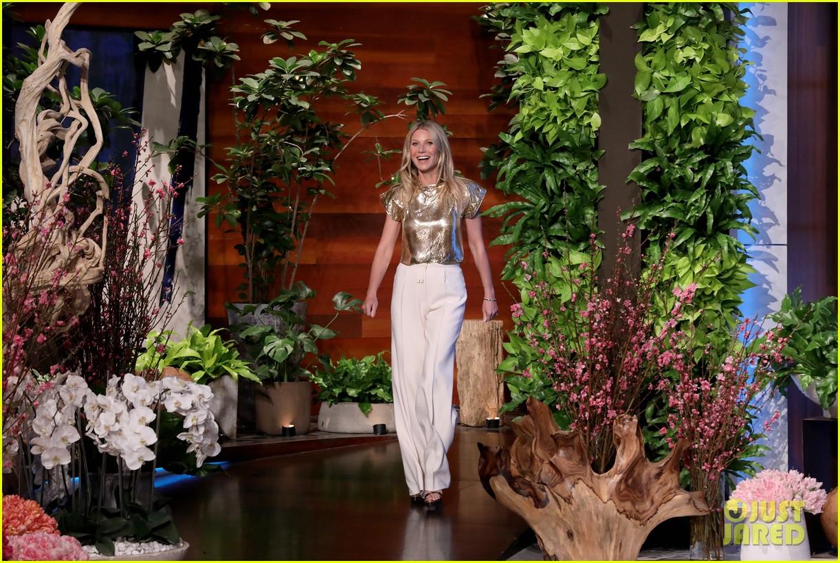 chrissy teigen guest hosts ellen with guest gwyneth paltrow 02