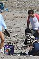 gerard butler relaxes at the beach with morgan brown 14
