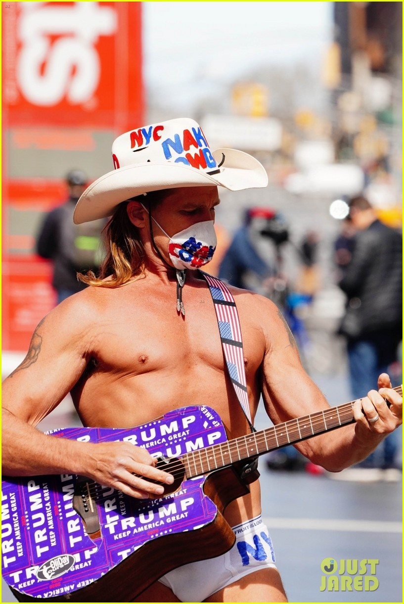naked cowboy busking in a face mask 03
