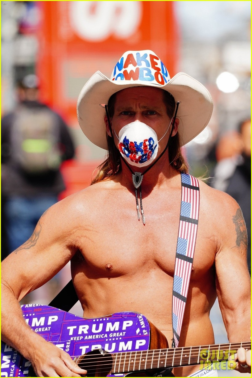 naked cowboy busking in a face mask 06