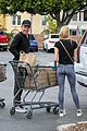 dennis quaid laura savoie stock up on groceries 08