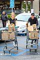 dennis quaid laura savoie stock up on groceries 12