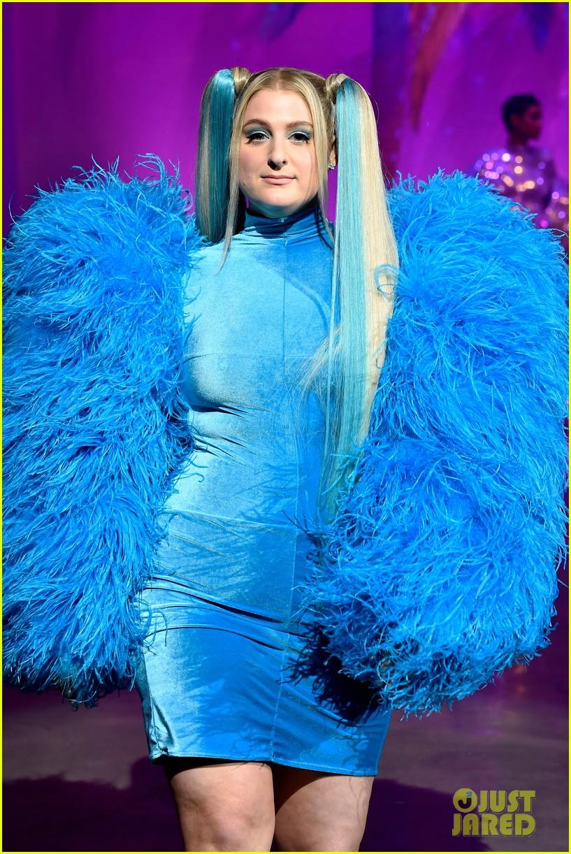 meghan trainor is bubbles at christian cowans powerpuff girls runway show 16