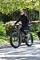 robin wright clement giraudet bike ride with dog 03