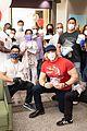 jason dohring donates meals eric trainer pics 09