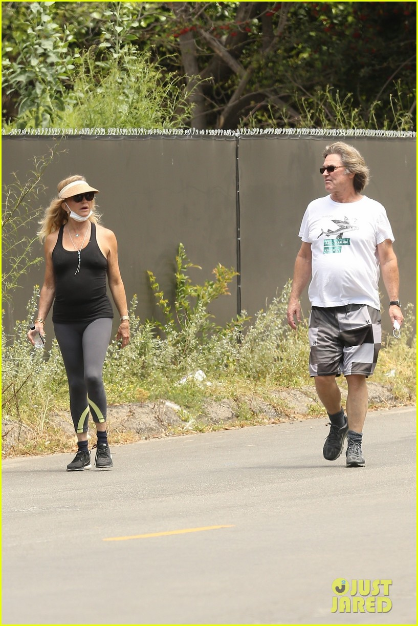 goldie hawn kurt russell may 2020 02