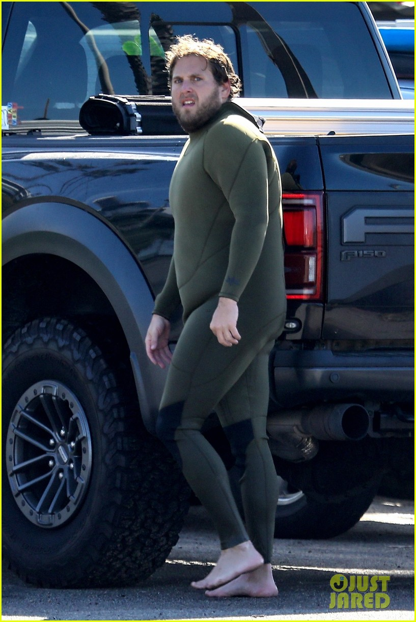 jonah hill slips into wetsuit for morning of surfing 05