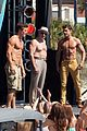 jake picking shirtless with zac efron 03