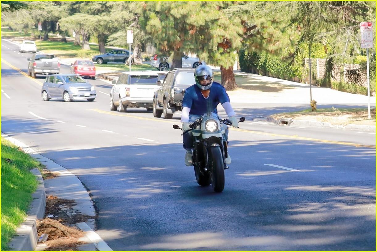 brad pitt motorcyle angelina july 2020 05